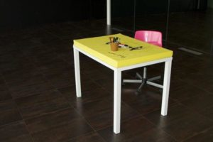 table-post-it_7e590d_800